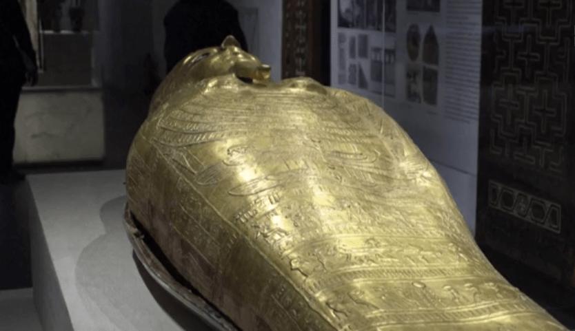 Sarcophage de Pharaon au Musée National de la Civilisation Egyptienne NMEC